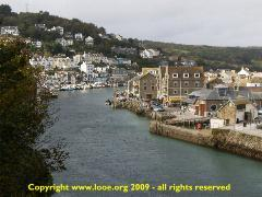 Slideshow of Looe harbour - October 2009 - copyright www.looe.org. If you cannot see the photos please activate Javascript in your browser